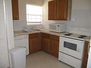 Cedar Palm kitchen